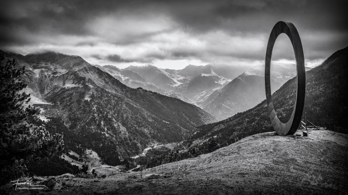 Arcalís 91 escultura de M. Staccioli. Ordino (Andorra) B&W
